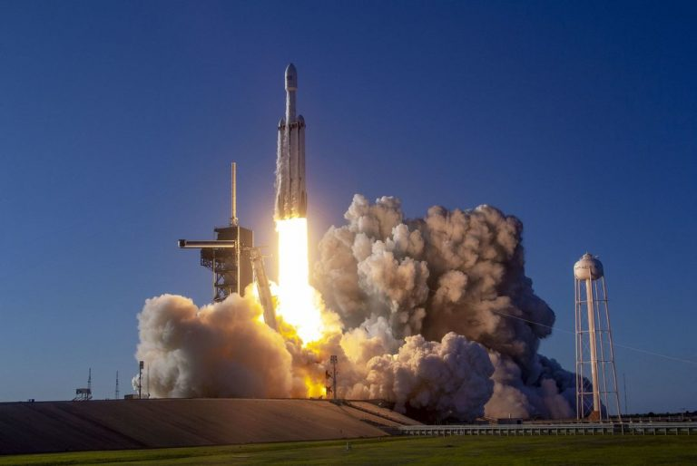 SpaceX sets new record with Falcon 9 rocket's 10th flight